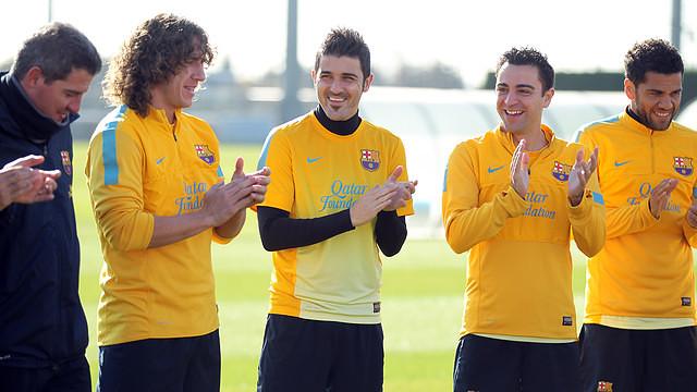 """Футболисты """"Барселоны"""" поздравили Вилью с рождением сына"""