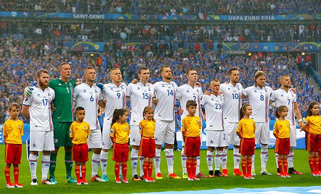 Фоторепортаж с матча Франция — Исландия