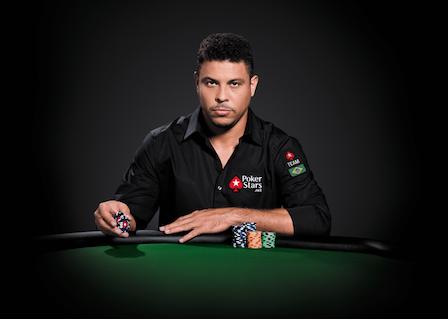 Бразильский футболист Роналдо присоединился к команде PokerStars