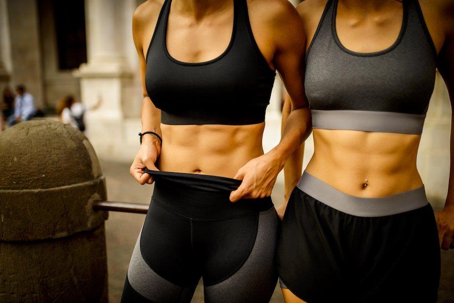 Упражнение вакуум, правильная техника выполнения для женщин и мужчин, как убрать живот за 3 минуты в день