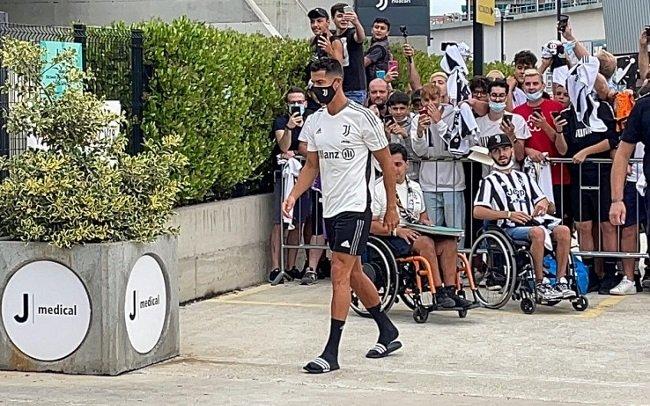 Роналду прибыл в расположение «Ювентуса»