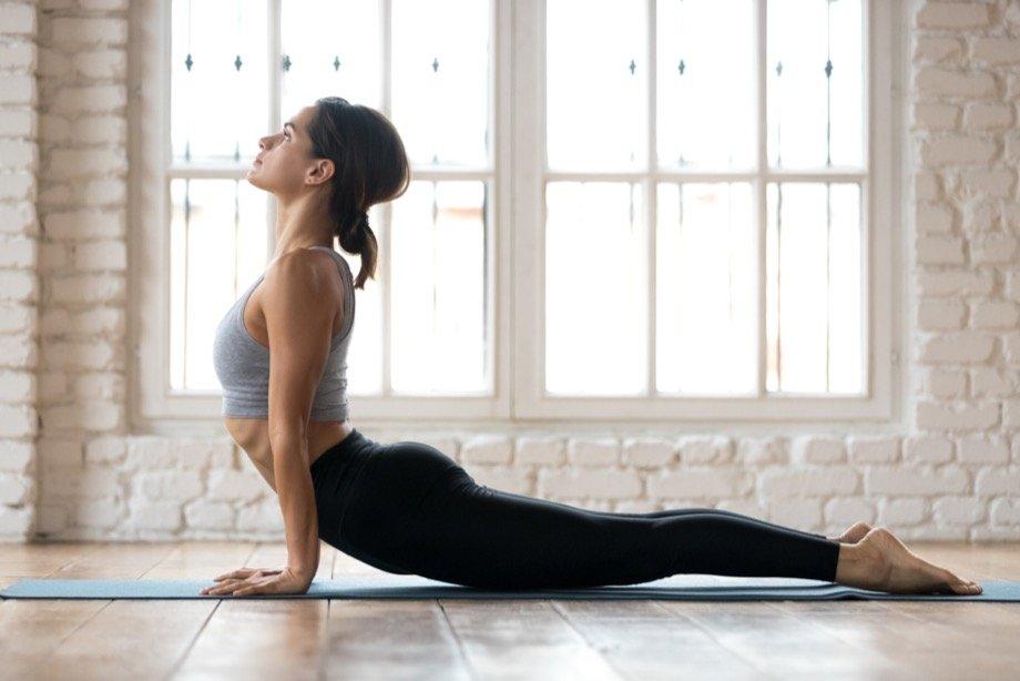 Йога для пресса и других мышц кора для начинающих, какие упражнения и позы йоги тренируют мышцы кора