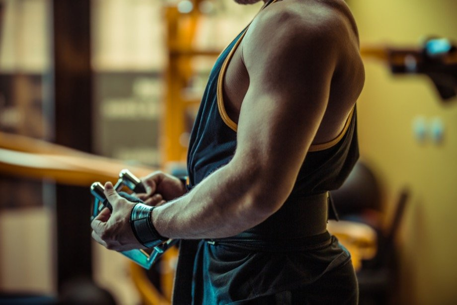 Круговая тренировка на жиросжигание для мужчин-бодибилдеров, упражнения от абсолютного чемпиона Arnold Classic
