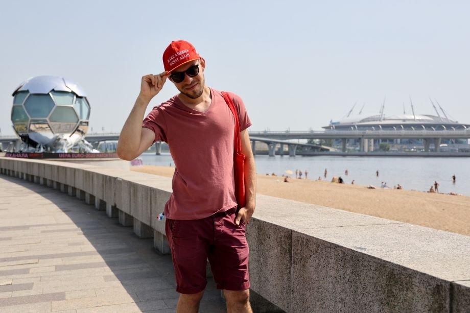 Датчане спасли журналиста «Чемпионата». 5 историй о Евро, которые остались за кадром