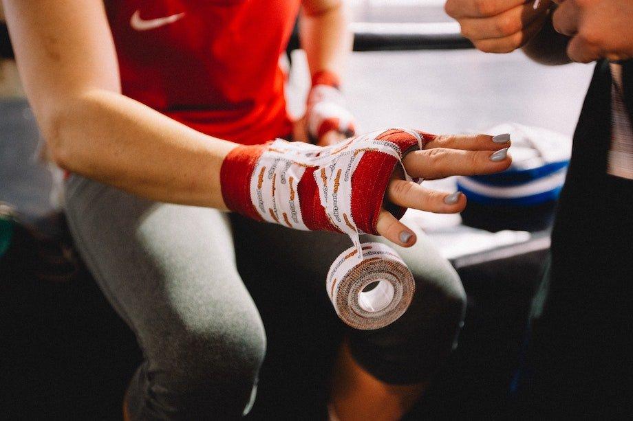 Как единоборства помогают снять стресс: как бокс и кикбоксинг влияют на психологическое состояние