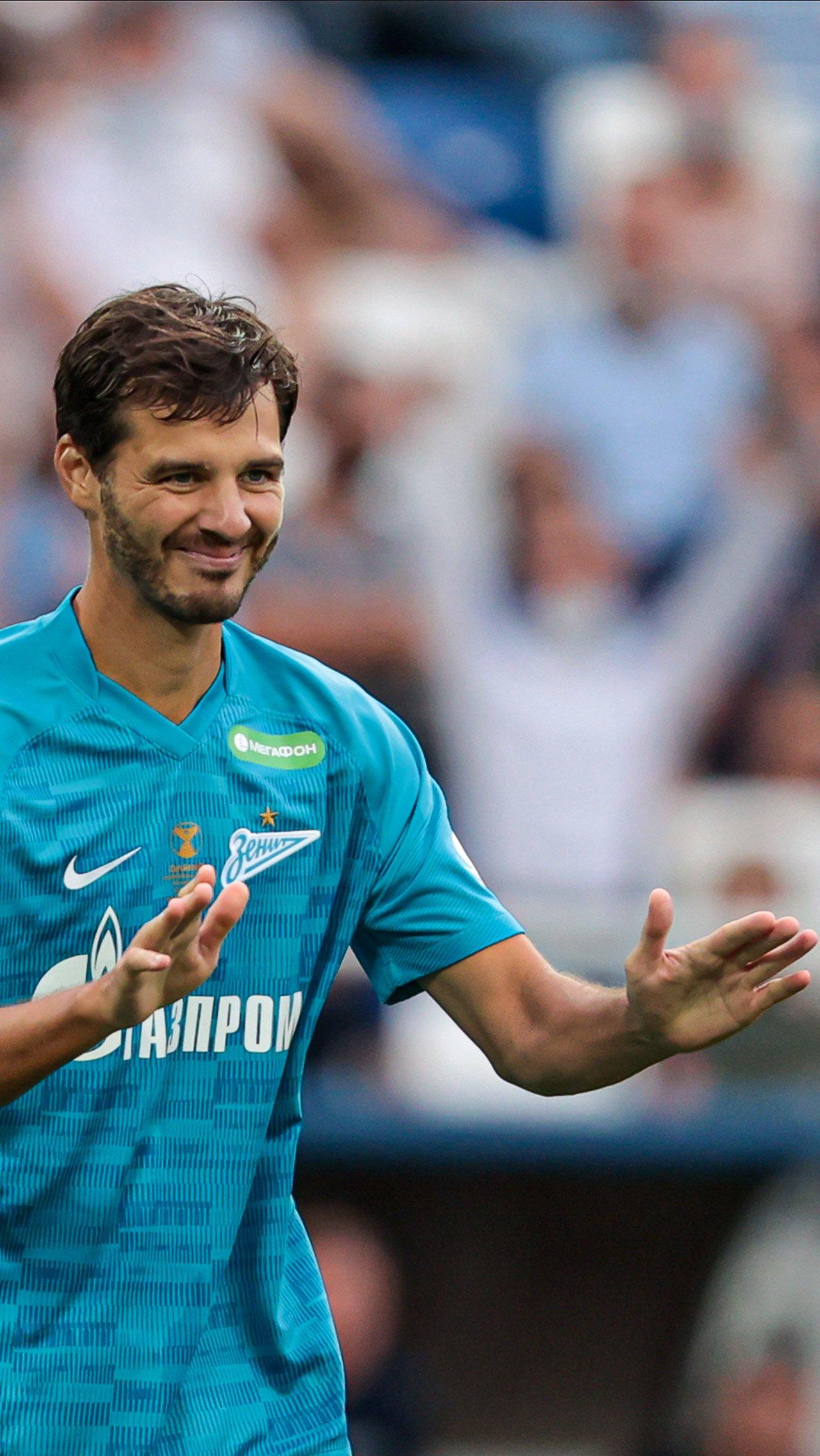 Гол для Ерохина создал Дзюба, но для уверенности мяч забрал Александр и пробил. В шутку извинился перед Артёмом.