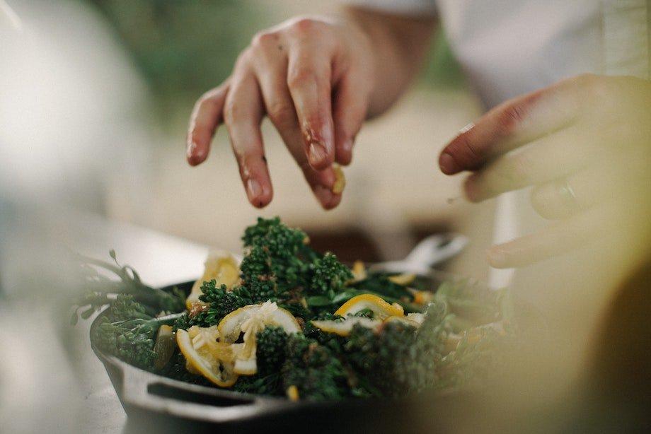 Совместимость продуктов питания, почему некоторые продукты не сочетаются между собой, причины и правила