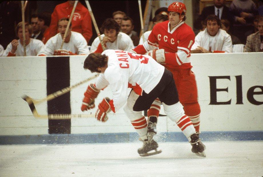 40 лет назад в автокатастрофе погиб легендарный советский хоккеист Валерий Харламов