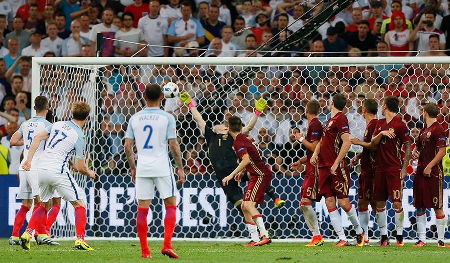 «Мы совершали глупейшие ошибки!» Первые матчи вратарей сборной России на Евро