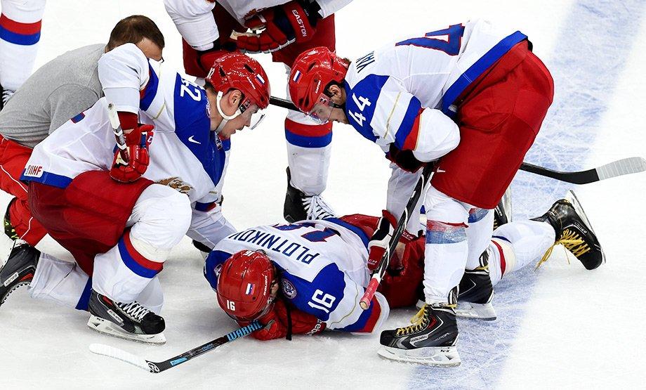«Таких надо ставить на место». Матч Россия — Швеция, который закончился «жестом смерти»