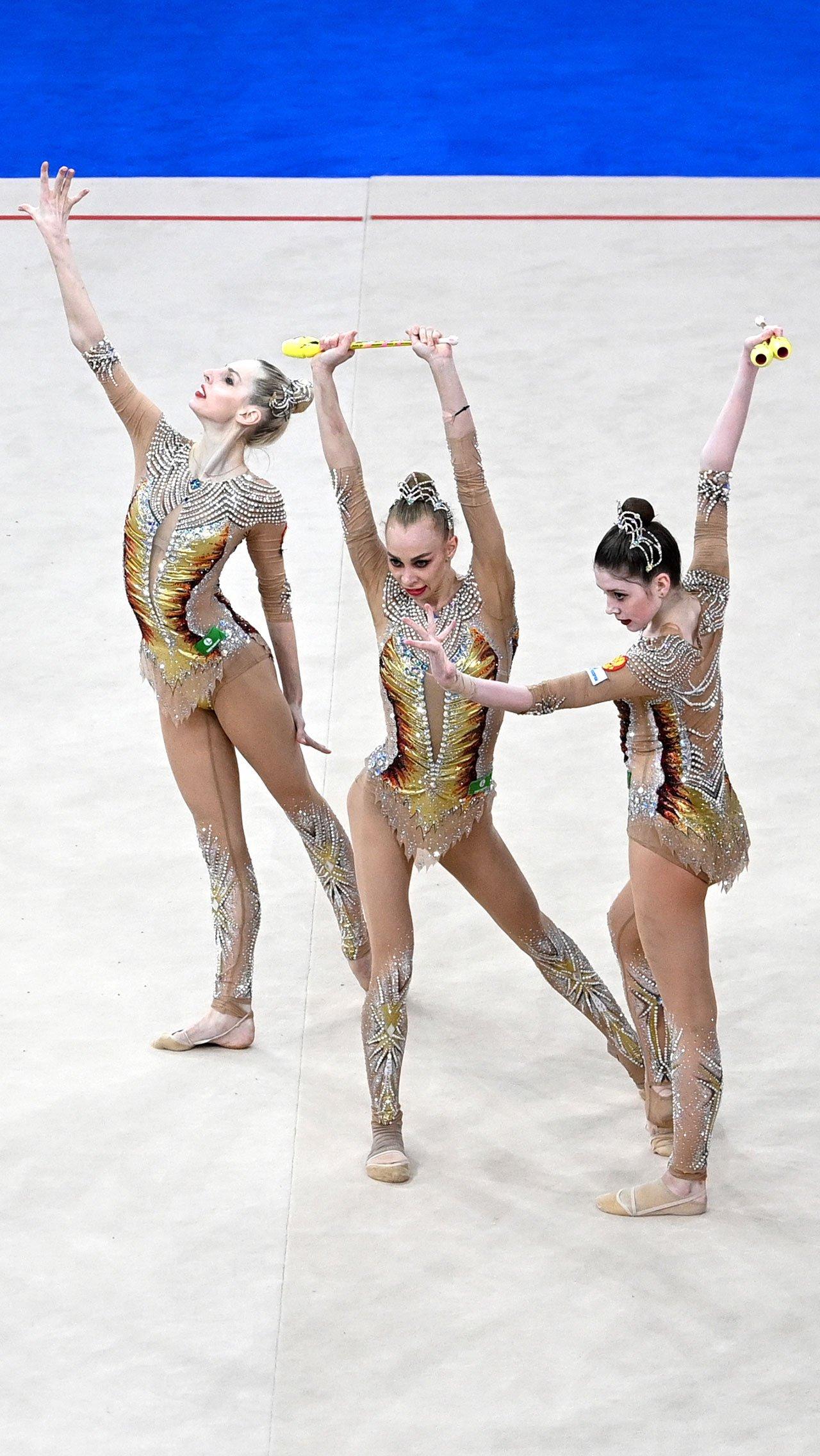 В групповом многоборье Россию представляли олимпийские чемпионки Анастасия Максимова, Анастасия Близнюк, Анастасия Татарева, а также Алиса Тищенко и Ангелина Шкатова, у которых нет больших титулов.