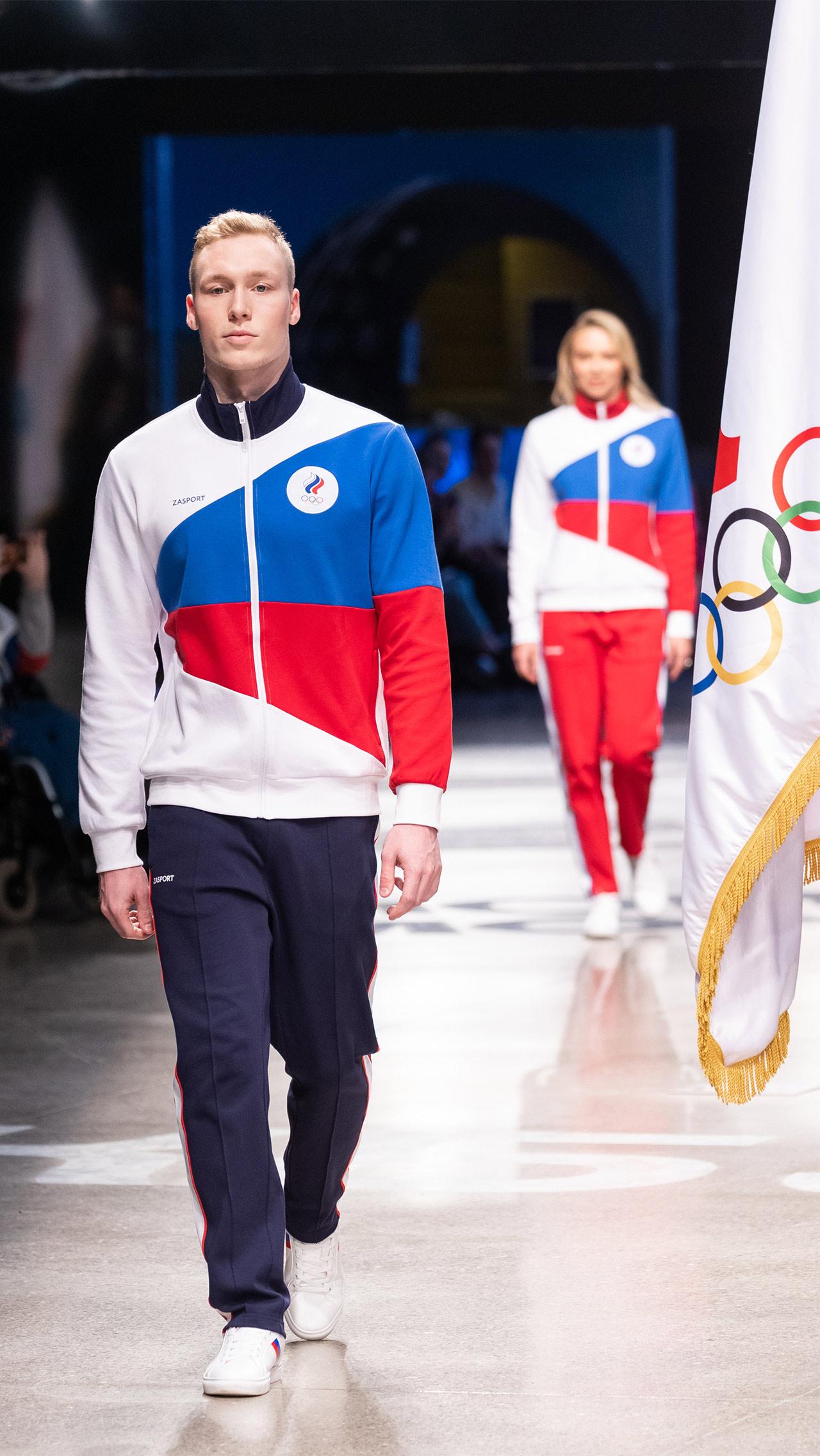 Впрочем, Международный олимпийский комитет не нашёл в сочетании белого, синего и красного цветов ничего запрещённого и одобрил комплекты к использованию.