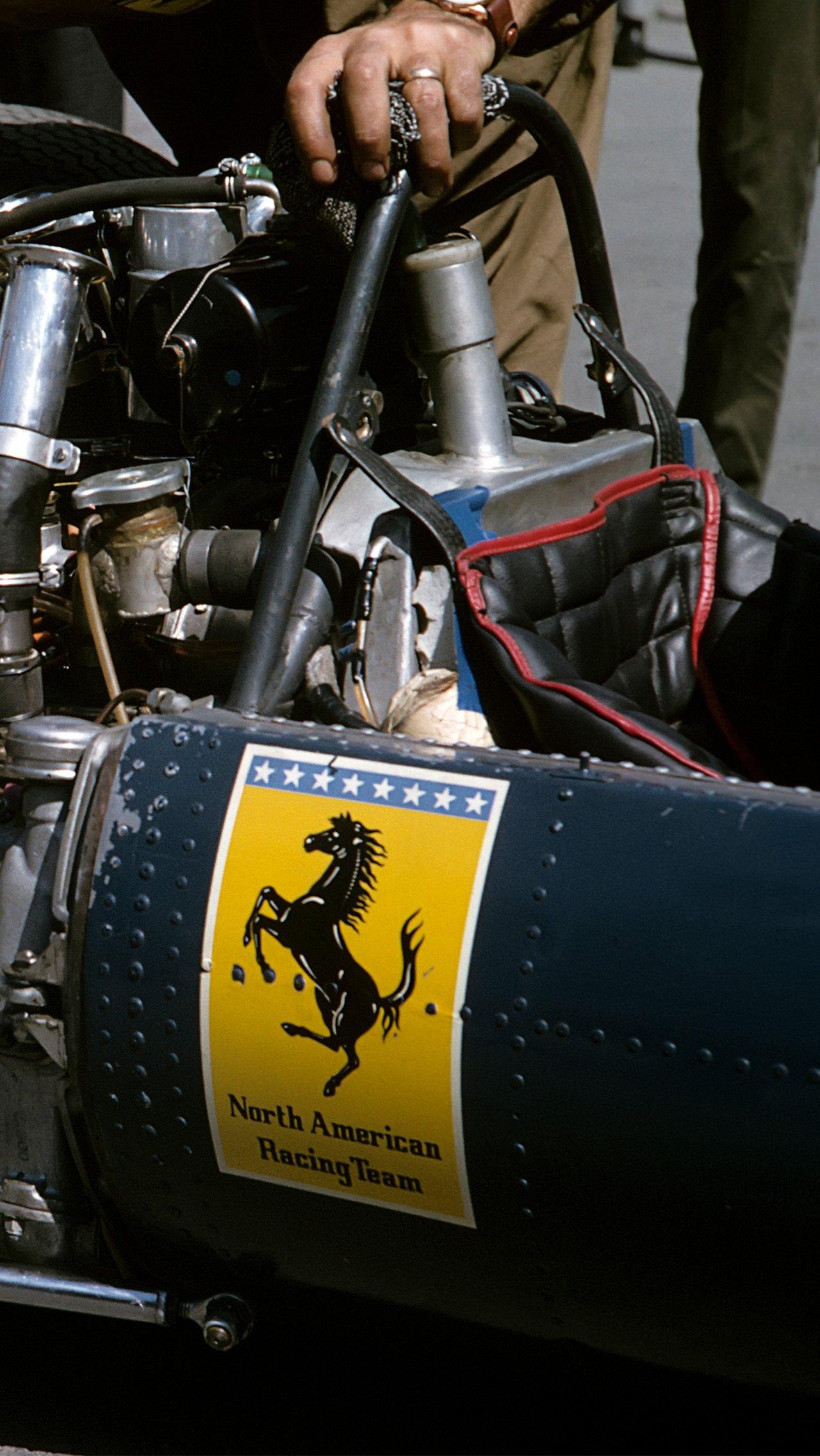 Из-за конфликта с ФИА в 1964-м «Феррари» провела два Гран-при под названием North American Racing Team и с синей ливреей.