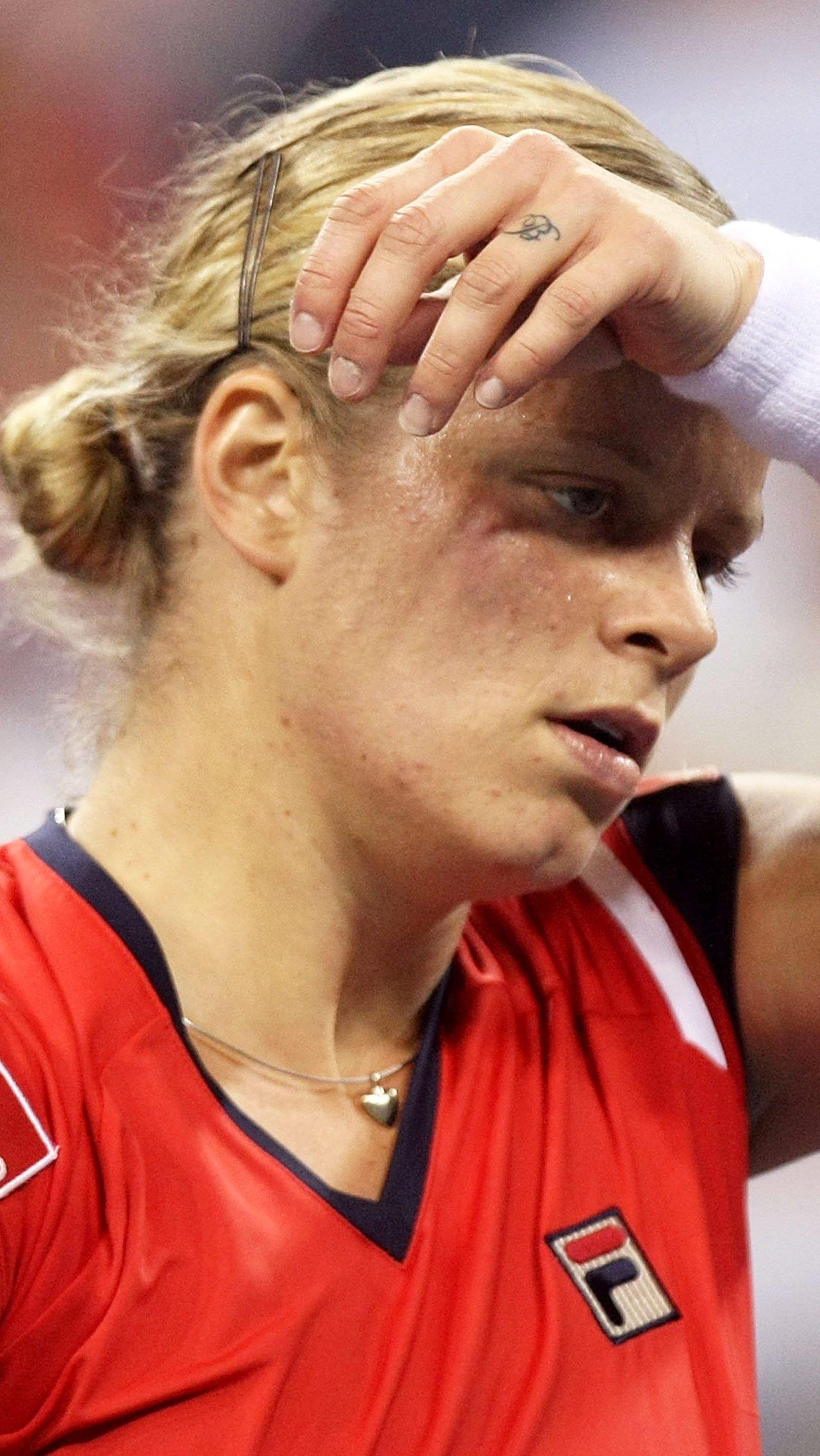 За второе предупреждение с американки сняли очко, матч на этом закончился, и ей начислили штраф $ 82 тыс.