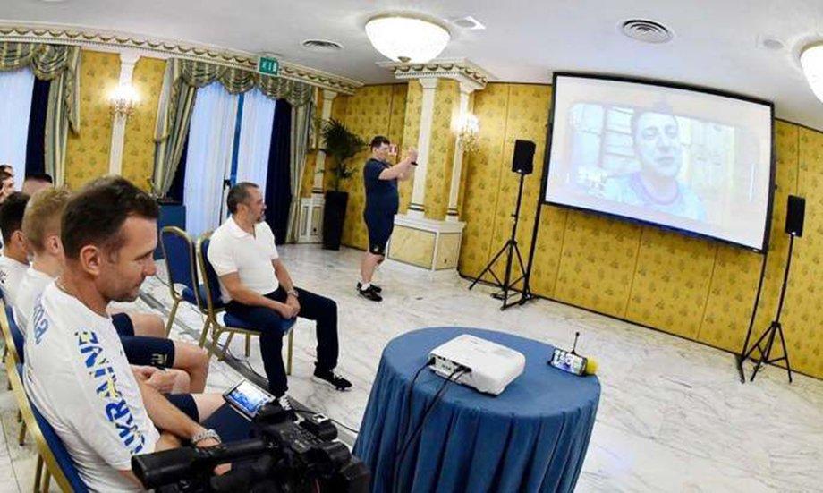 Зеленский мотивировал сборную Украины по видео. Вспомнил игроков из Крыма и Донбасса