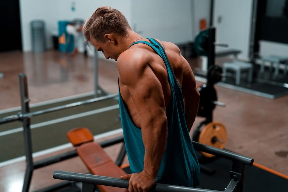 Что нельзя носить на тренировки, какая одежда не подходит для спорта