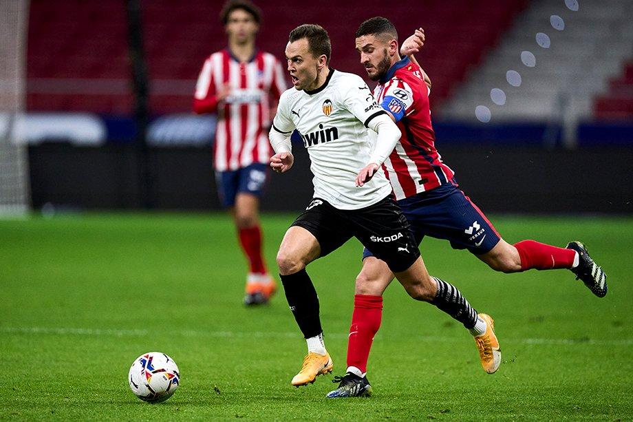 Черышев сверкает в сборной, но так и не стал своим в «Валенсии». Евро ему поможет?
