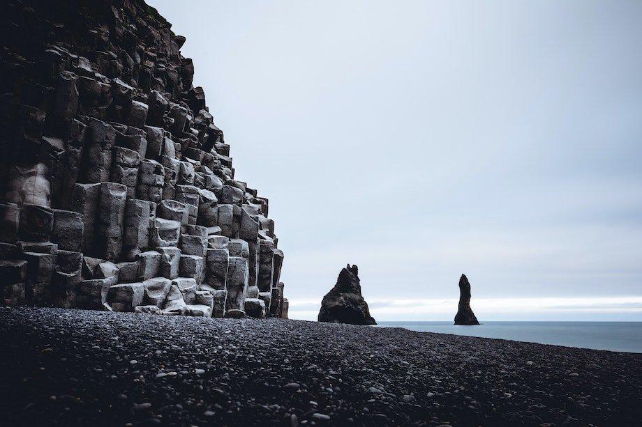 Чёрный пляж в Исландии, где можно заняться сёрфингом