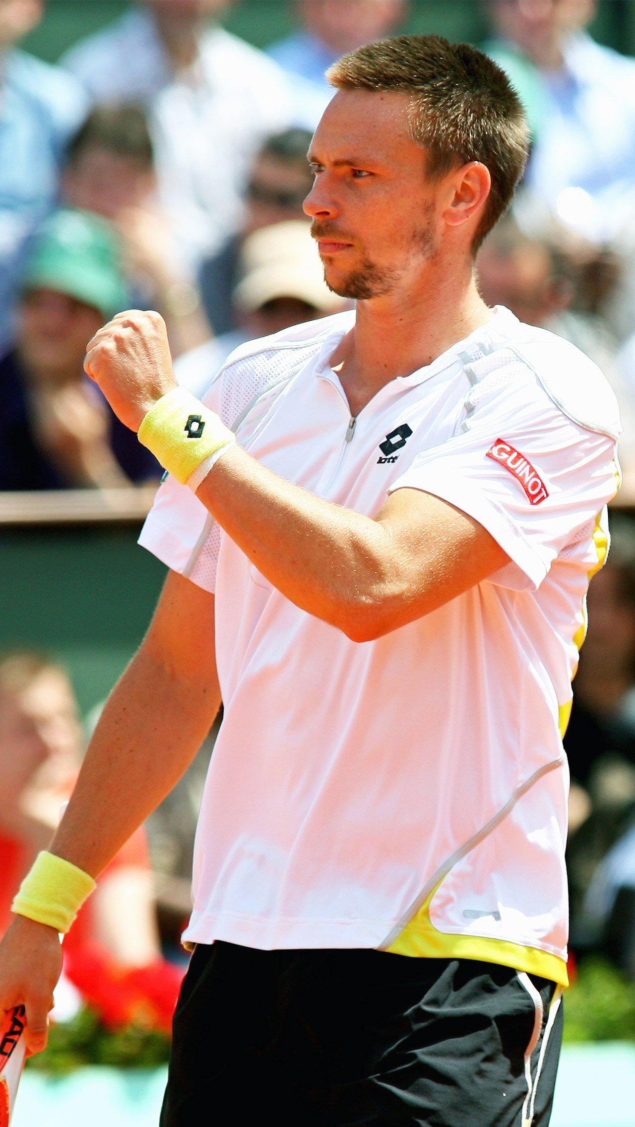 В 4-м круге турнира-2009 его серию прервал Робин Сёдерлинг.