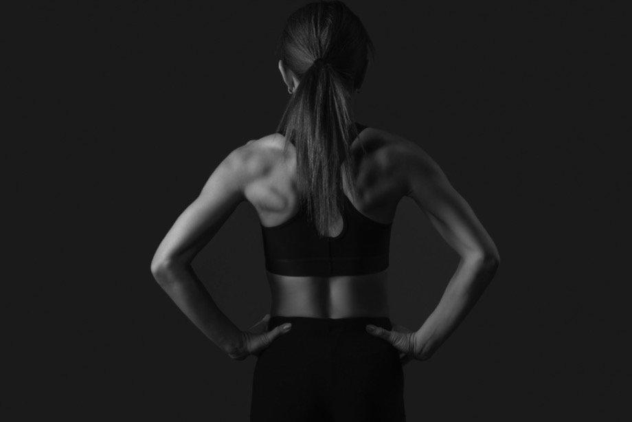 Упражнения от сутулости спины и для красивой осанки, как исправить сутулость в домашних условиях