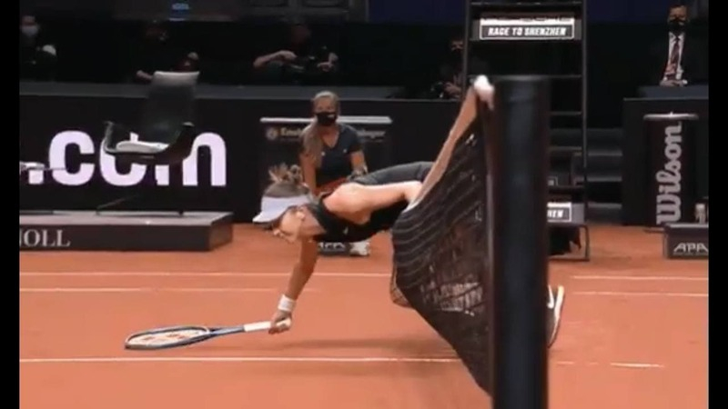 Белинда Бенчич перевалилась через сетку на турнире в Штутгарте