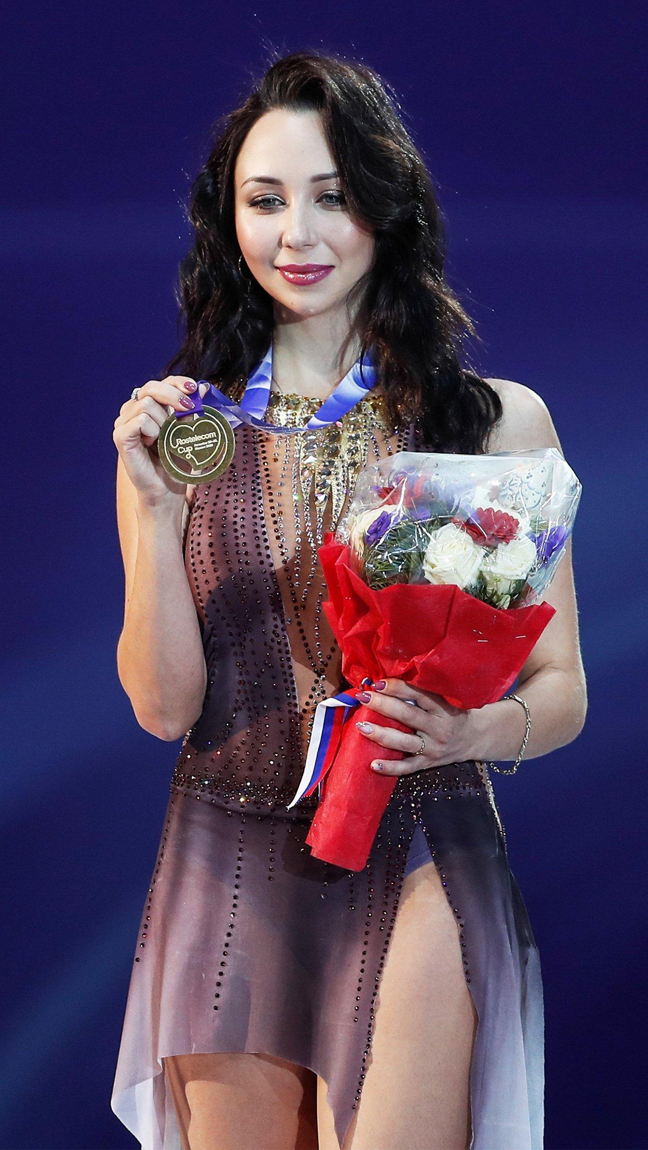 Елизавета Туктамышева единственная выполнила все критерии для попадания в сборную. Лиза взяла золото Гран-при, серебро чемпионата мира и хорошо проявила себя на чемпионате России и в финале Кубка.