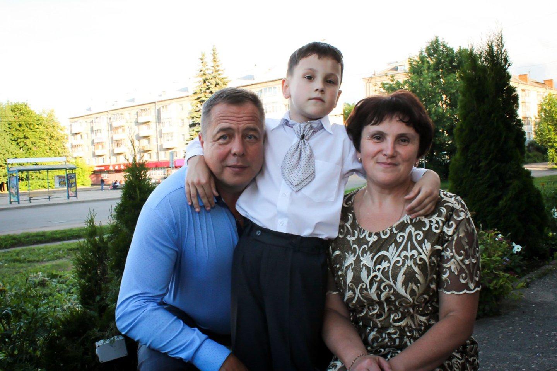 «Нам повезло родить ребёнка. А иначе для чего жить?» Что спасло семью Максима Шувалова