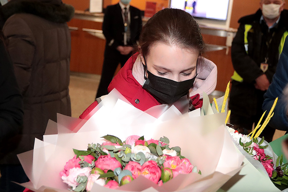 Фигурное катание, ЧМ 2021 — сборная России вернулась домой: Щербакова, Трусова, Тутберидзе, Плющенко