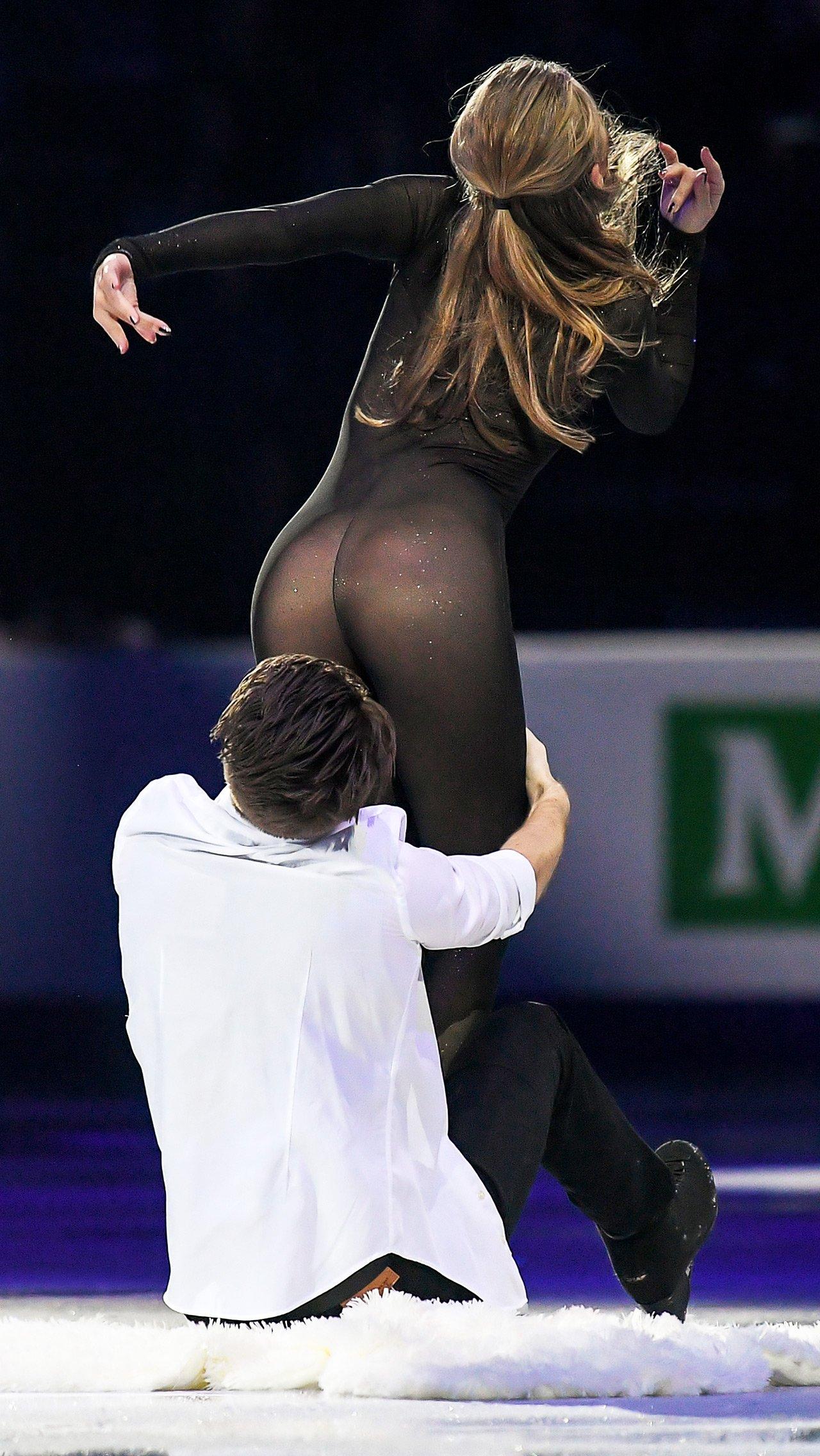 Комбинезон Александры Степановой для показательного номера вызвал бурные споры.