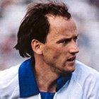 Подрабатывал на стройке, а потом стал лучшим футболистом Европы. Где сейчас Игорь Беланов
