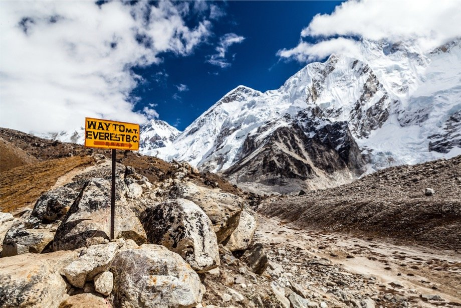Как подготовиться к походу в горы, что взять, как выбрать обувь и одежду, что нужно знать о горных походах