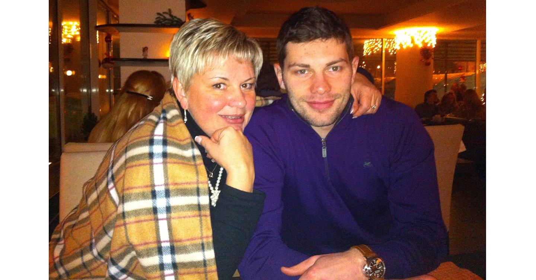«По ночам я не дышала…» Трогательный монолог мамы Виталия Аникеенко