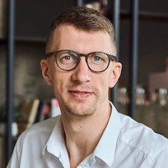 Дмитрий Шестак