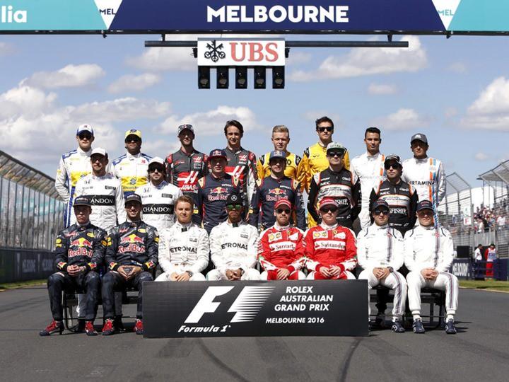 Выбери пилотов, которые должны остаться в Формуле-1 в 2017 году