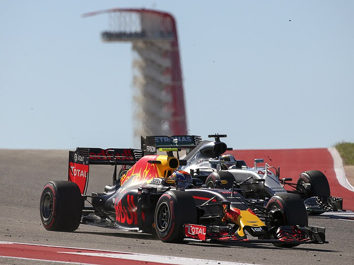 Гран-при США: «Ред Булл» догоняет «Мерседес», «Феррари» прибавит