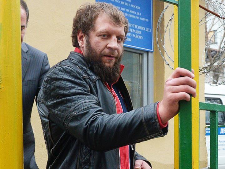 Самые громкие скандалы с участием бойца ММА Александра Емельяненко