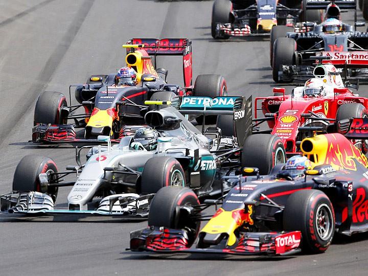 Дженсон Баттон предложил сократить продолжительность гонок Формулы-1