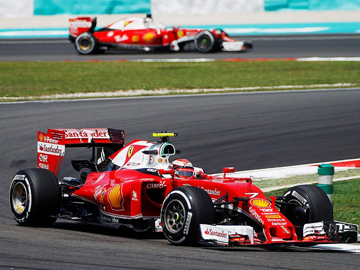 Кими Райкконен близок к Себастьяну Феттелю в личном зачёте Формулы-1