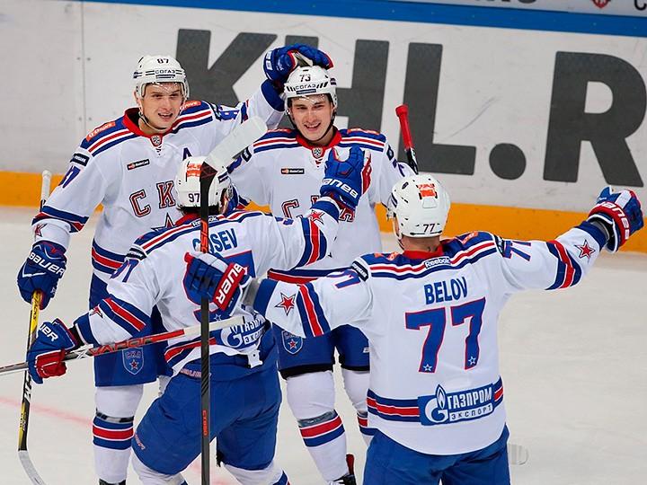 Гуськов, Бадюков, Николишин о шансах Гусева в НХЛ, «Сибири» и рекорде СКА