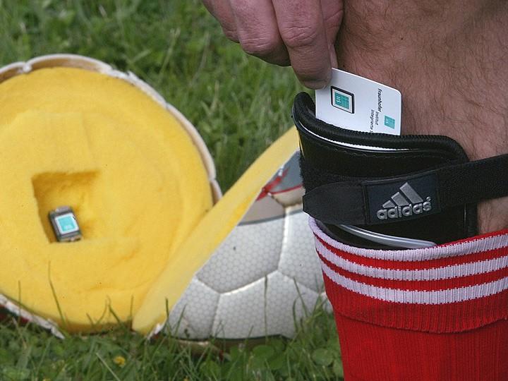 Пять примеров столкновения науки с футболом