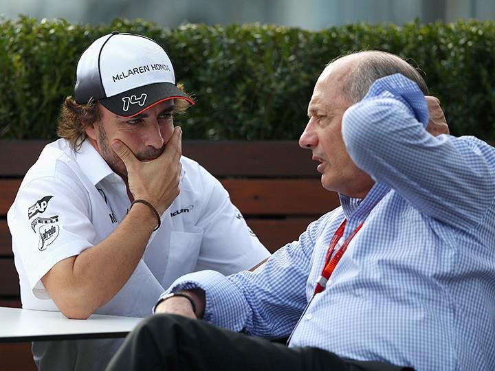 Рон Деннис ушёл с поста руководителя McLaren Group