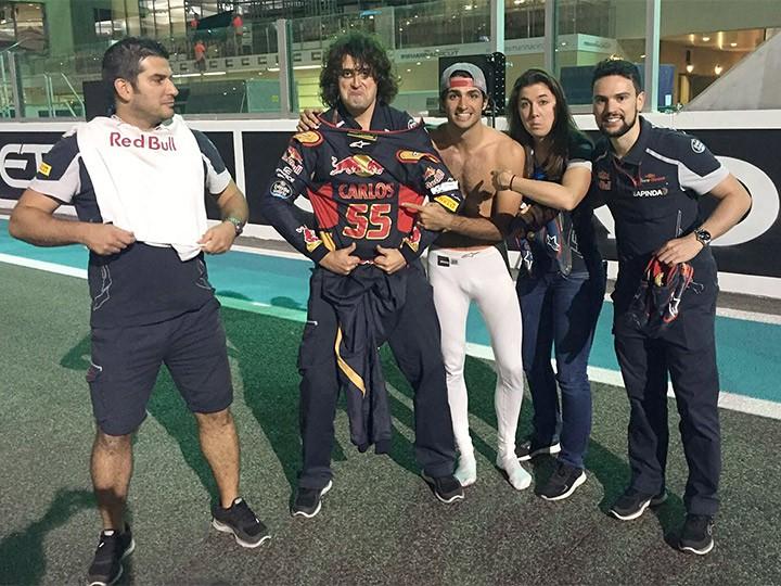 Обзор соцсетей пилотов и команд Формулы-1 на Гран-при Абу-Даби-2016