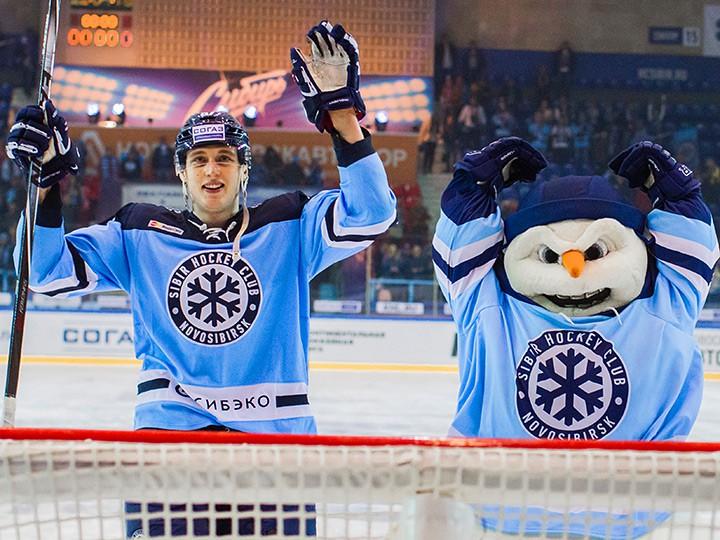 «Сибирь» насвоем льду проиграла омскому «Авангарду» вматче чемпионата КХЛ