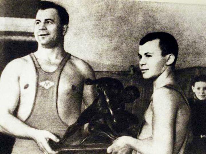 Александр Мазур