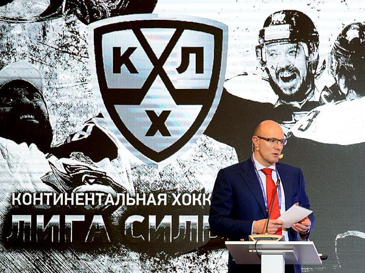 Еслибы сборная играла всубботу, рейтинги былибы выше— Виталий Мутко