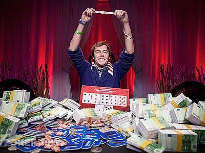Фокс увозит браслет WSOP в Америку