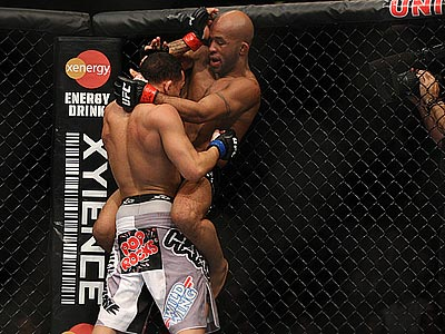 Деметриус Джонсон отстоял титул UFC
