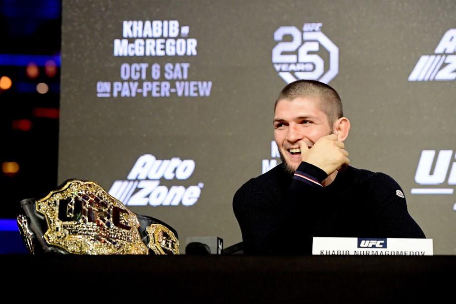 Макгрегор ударил мужчину в баре, Диаз вернулся в UFC, обзор новостей недели