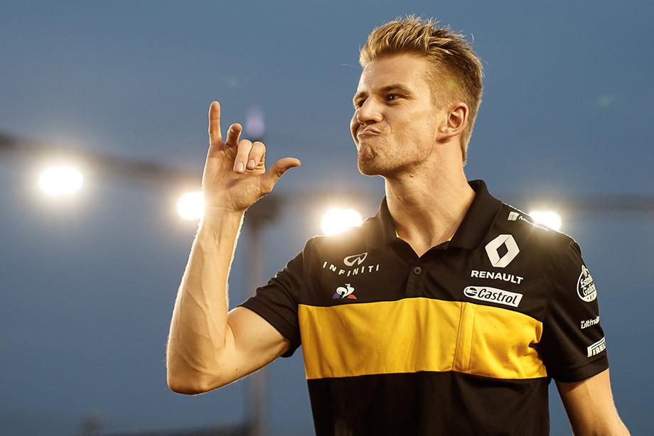 «Я повис, как корова, вытащите меня!» Лучшие радиопереговоры сезона Формулы-1