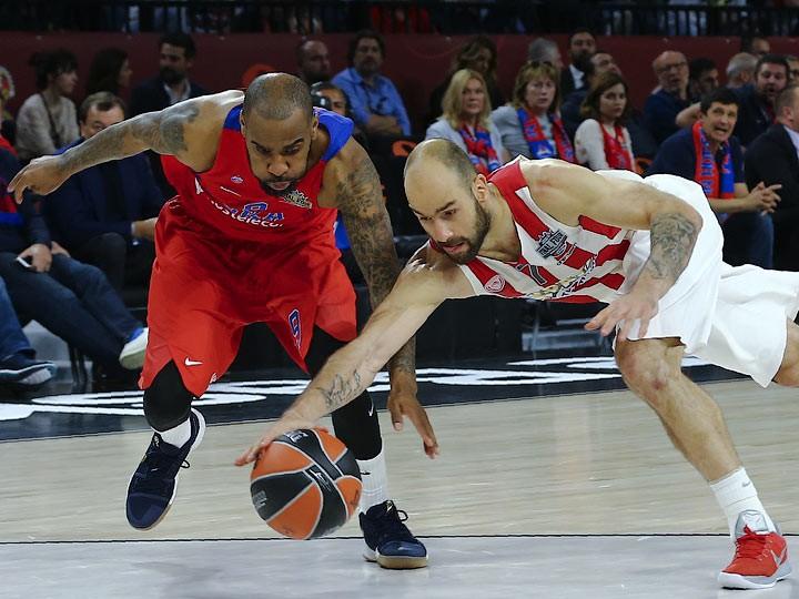 «Олимпиакос» обыграл ЦСКА в полуфинале «Финала четырёх» Евролиги